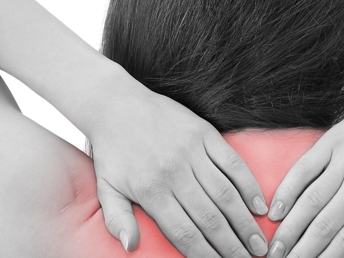 Artrosi cervicale: 7 esercizi per alleviarne i sintomi